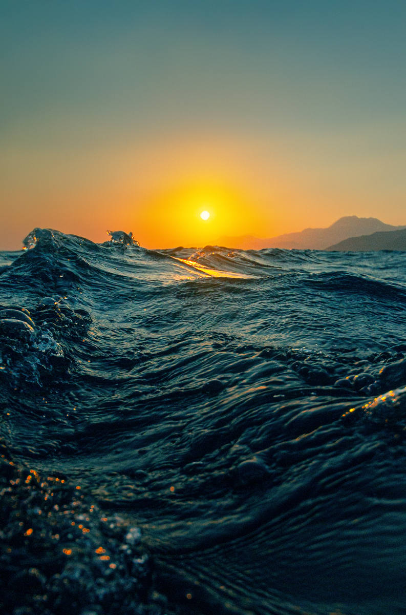 Sunset waves